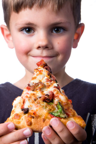 Boy pizza