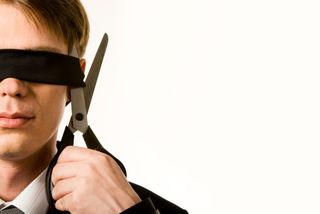 Man blindfold sissors