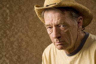 Man older hat