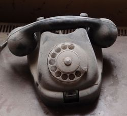 Telephone Dusty