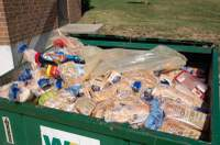 Dumpster_food_close