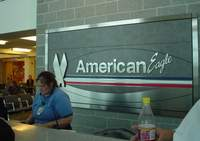 Airplane_broken_employee
