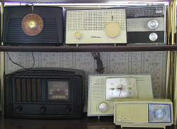 Old_radios_2