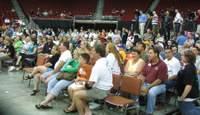 Iowa_chops_crowd_2