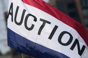 Auction_flag